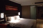 长白山万达智选假日酒店-标准大床房1晚+酒店早餐+汉拿山温泉门票