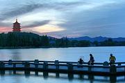 高铁出行杭州+横店 3日游 船游西湖,穿越千年宋城,横店影视拍摄基地