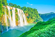 贵州自由行、多商圈外滩豪华酒店、往返机票专线车、旅行享自由、直奔想去景点!