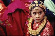 尼泊尔8日|加德满都+博卡拉+奇达旺国家森林公园+世界和平塔+滑翔伞暑假热卖