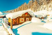 <相约冰雪季>升级凯宾斯基、滑雪+篝火晚会、泡雪地温泉、哈尔滨+亚布力+雪乡