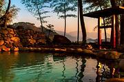 多套餐可选 四季明月温泉度假酒店1晚+明月山维景温泉门票2张+双份早餐