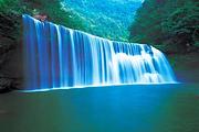 吃喝玩乐应有尽有丨欣赏赤水丹霞地貌丶赤水大瀑布丨游玩土城古镇
