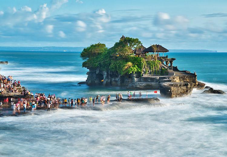 巴厘岛两天自由活动 泳池酒店 赠玻璃底船,阿勇河漂流,海龟岛