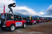 丽江玉龙雪山冰川公园大索道+蓝月谷/白水河+拉风越野车+雪厨自助+雪域三宝