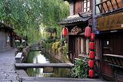 <中国国旅>暑期21°腾冲腾冲、芒市、瑞丽 双飞5日(芒进腾出)(云南旅行社责任险,专业旅游巴士,让你出行安心。每天每人一瓶矿泉水)
