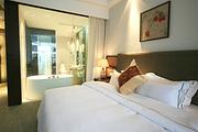 多套餐可选 柘林湖/庐山西海温泉酒店主楼标准大床房1晚+双人温泉门票+早餐
