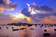 威海鸡鸣岛两日游<好评如潮><早订优惠>,带您出海捕鱼、赶海双人游妈妈更放心
