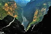 泰安出发到河南林州太行大峡谷+桃花谷王相岩纯玩大巴2日游