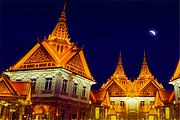 入住花都香草世界花海别墅、石头记矿物园、泰国风情小镇、白水寨大瀑布、2天纯玩