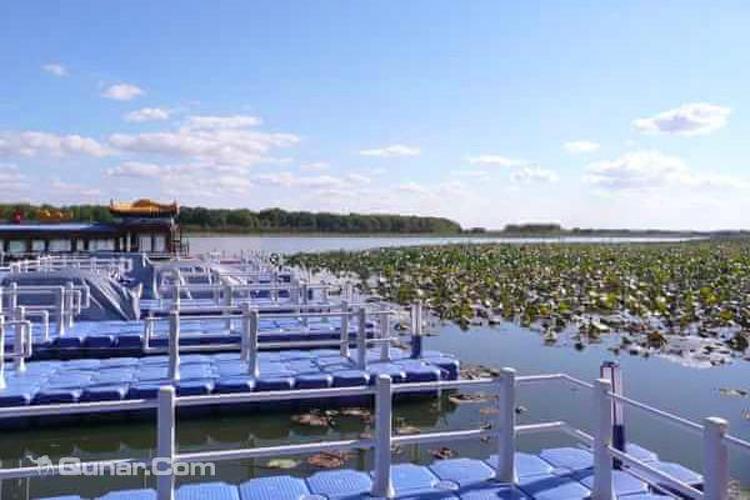 月牙湖旅游