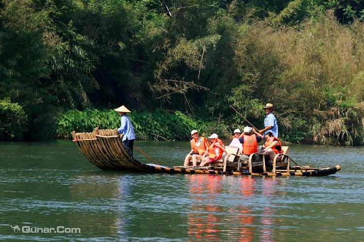 九曲溪竹筏漂流旅游