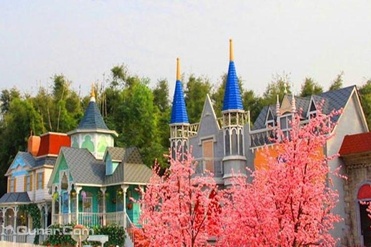 鲁冰花童话园旅游