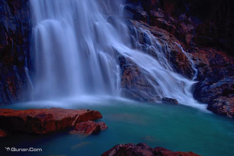 龙归寨瀑布旅游