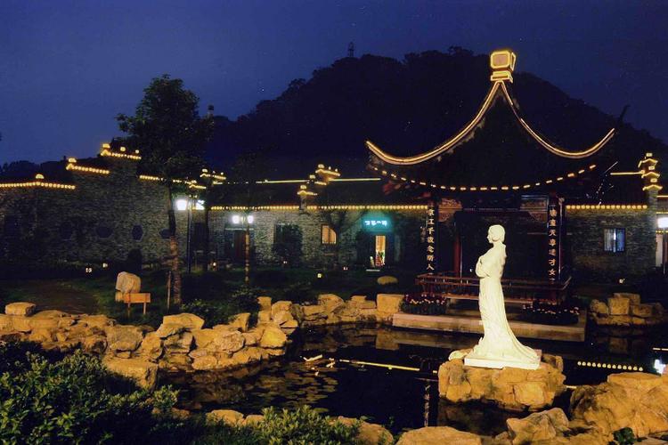 西津渡历史文化街旅游