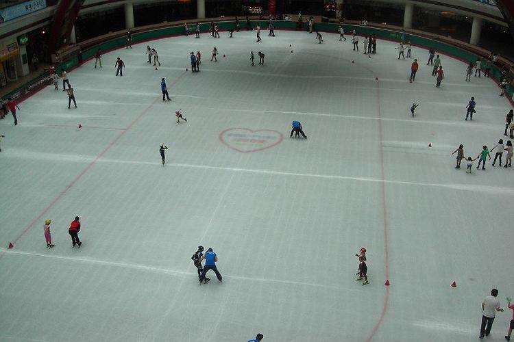 浩泰溜冰场旅游