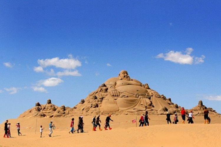 释尼召沙漠绿海乐园旅游