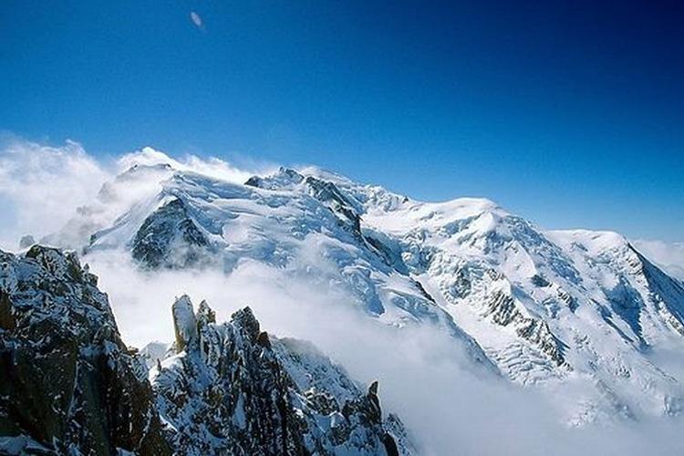 白朗峰旅游