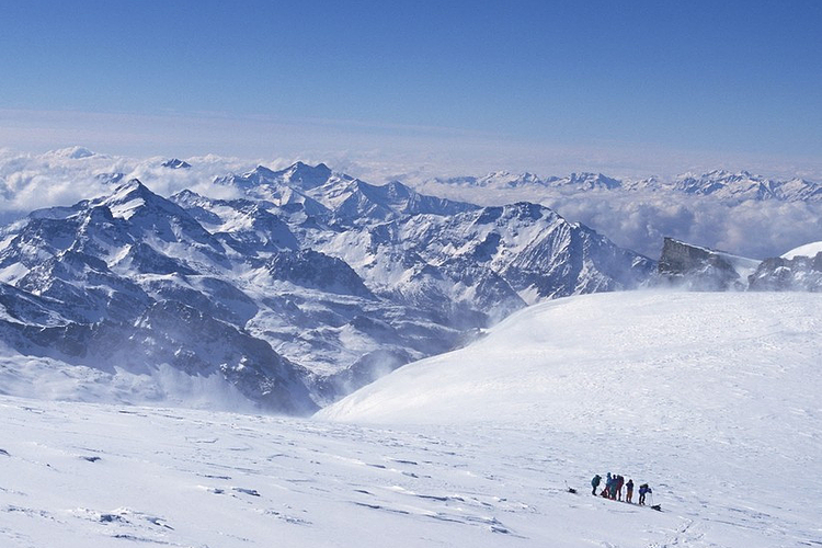 小山滑雪场旅游