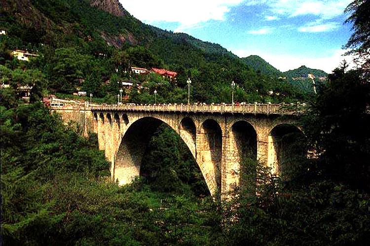 揽胜桥旅游