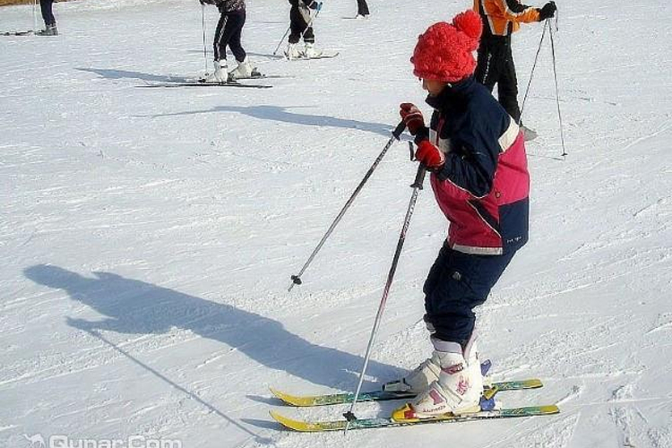 右玉南山滑雪场旅游