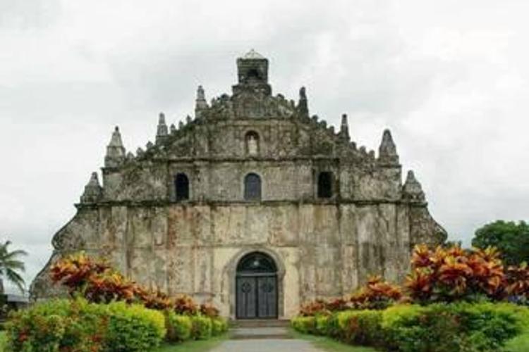 抱威教堂旅游