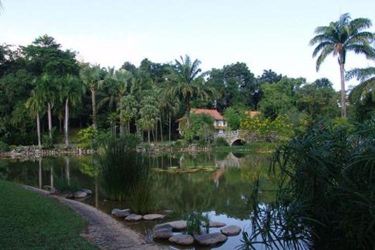 勐巴拉王国园林旅游