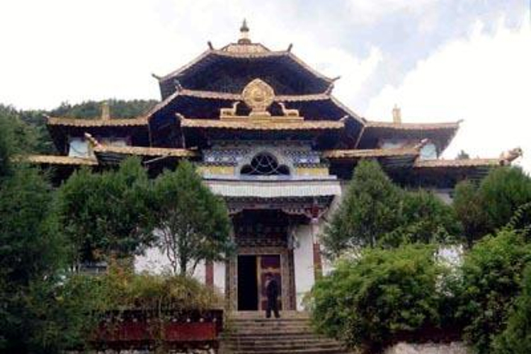 布久喇嘛林寺旅游
