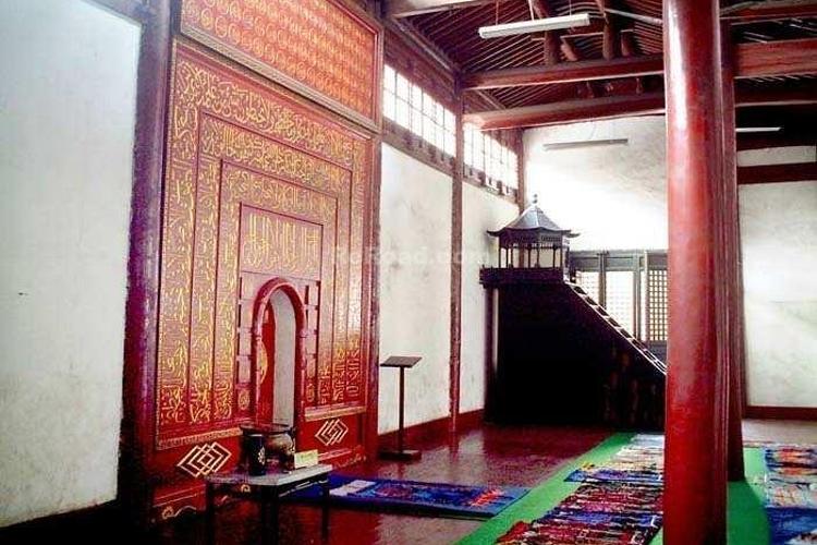 仙鹤寺旅游