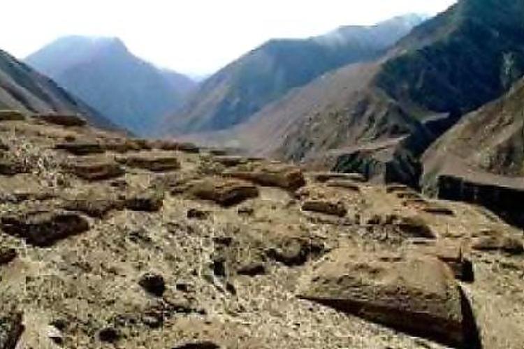 列山古墓群旅游
