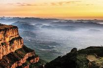 安阳林州太行大峡谷一日游(桃花谷、王相岩、太行天路三景点,安阳市区免费接送)