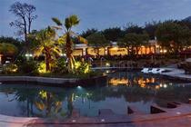龙山温泉酒店-豪华客房+双人自助早餐+双人无限次温泉+超值礼品!