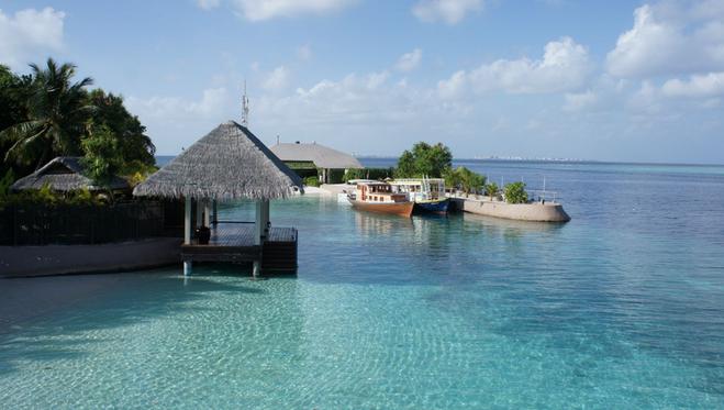 马尔代夫康杜玛岛 2晚沙滩别墅 2晚水上别墅,岛上含