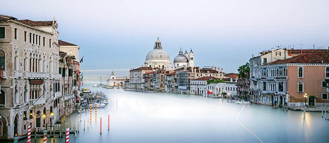 """之后乘车前往水城威尼斯,它又被称为""""亚德里亚海的明珠"""",是举世闻名的"""