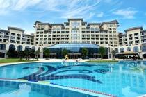 宜春明月山维景国际温泉度假酒店!主楼标准双人房+ 2人自助早餐+维景温泉门票