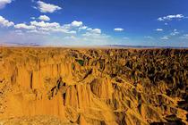 兰州-景泰黄河石林-山丹军马场-巴丹吉林沙漠-张掖-敦煌-26人小包团8日游