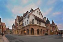 (尊享2大1小多种套票)广州九龙湖公主酒店1晚、含早餐、免费游欧洲风情小镇