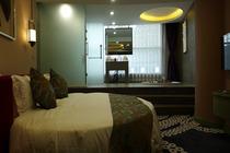 自由行哈素海温泉堡酒店情侣房1晚+双人温泉套票+双人中餐+双早