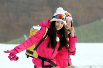宜昌到神农架国际滑雪场两日游免费赠送情人泉和昭君村2个景点,包含滑雪门票