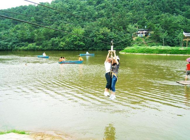 早上于武汉出发乘车前往【胜天农庄】风景区,可体验游览观光类景区(1