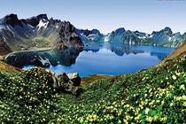 吉林、长白山、镜泊湖、吊水楼瀑布、朝鲜民俗村、哈尔滨、俄罗斯小镇卧动5日游