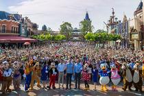 双飞上海点亮心中齐梦!畅游迪士尼乐园自由行纯玩3日游含门票、住宿、接送服务