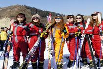 <拳头产品>济南金象山滑雪一日游含滑雪门票+双板+雪鞋+雪杖+拖牵天天发团