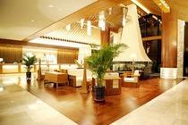 宜必思尚品酒店1晚+机场接送+双人酒店自助餐+2大1小滑雪水乐园2大1小晚餐