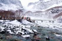 至臻全景:哈尔滨、雪乡徒步15公里穿越、长白山、魔界、滑雪、雾凇岛双飞7日游