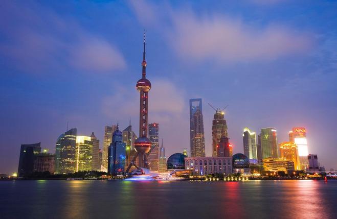 悉尼歌剧院,巴黎的埃菲尔铁塔一样,成为了上海的标志性建筑.