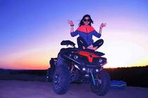 敦煌沙漠露营 一价全包 沙漠BBQ+沙漠摩托+滑沙+篝火晚会+KTV蹦迪