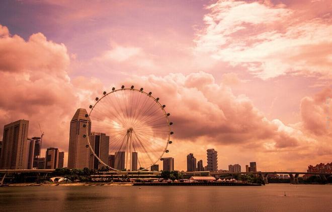 酒店早餐后前往【花芭山】(游览时间15分钟),花芭山为新加坡南部最高