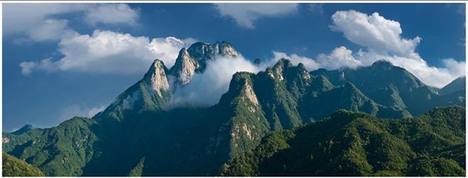 早餐后乘车赴岳西县【明堂山风景区】(约1小时),坐景区观光车(自理10