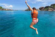 普吉皇帝岛+甲米双岛出海浮潜0自费💎私人沙滩海景酒店<人妖+按摩+海鲜餐>